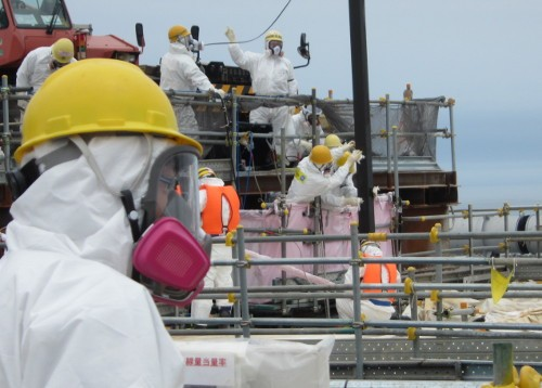 Fuel assembly removal at unit 4. Source: TEPCO