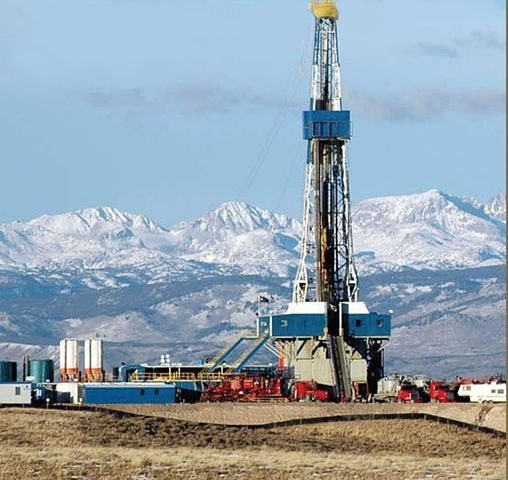 Gas rig in Wyoming. Source: BLM